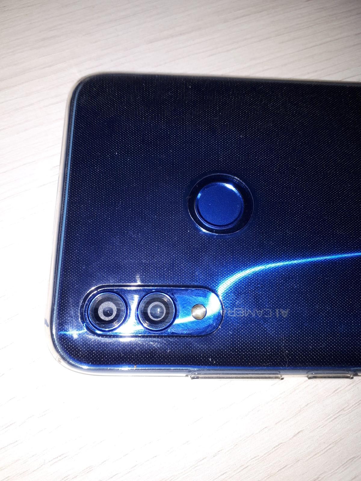 Камера телефона Honor, Huawei мутно снимает